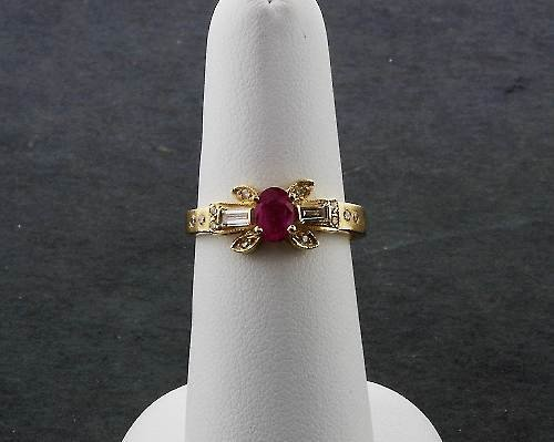 6: Ladies' Ruby Diamond Ring .77ctw - DF8
