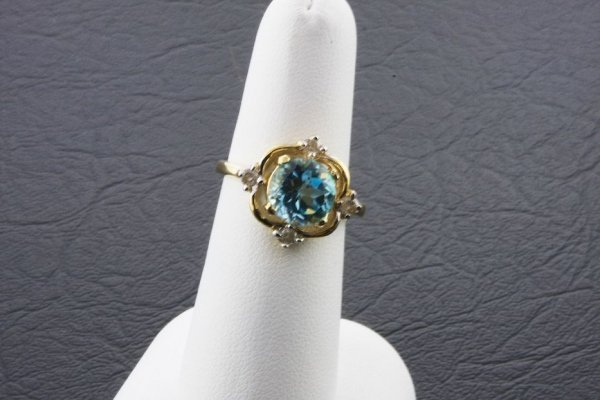 6: Ladies Blue Topaz Diamond Ring 2.74ctw - DI66