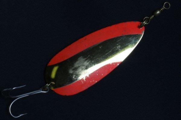 19: Vintage Fishing Hook - FH83