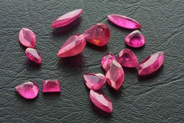 16: Ruby Parcel 15 Gemstones 20.44ctw DK63