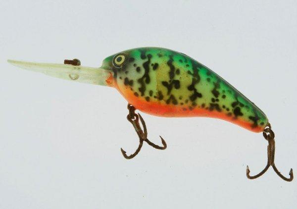 24: Vintage Fishing Hook FH140