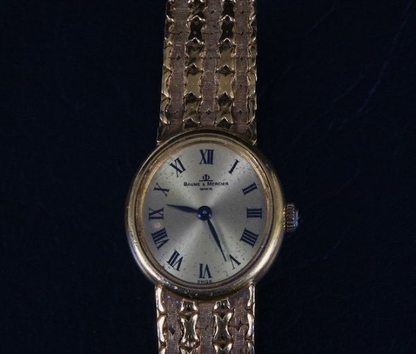 21: Ladies' Baume & Mercier Gold Swiss Watch