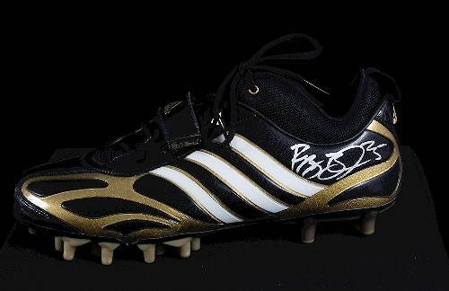 28: Reggie Bush Autographed Football Cleat