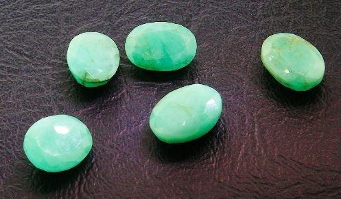 29: Emerald Parcel 5 Gemstones 29.53ctw BS39