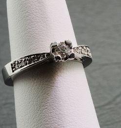 1: Ladies Gold & Diamond Ring .24cts DO24
