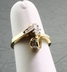 613: Ladies Gold & Diamond Ring .43cts DO32