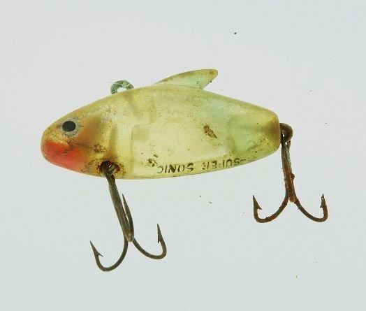 23: Vintage Fishing Hook FH152