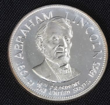 687: Abraham Lincoln 33.1gm. Sterling Silver Presidents
