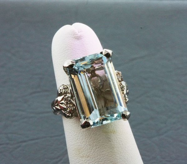 2A: Aquamarine & Diamond Ring 8.92 grams A205 FULL APPR