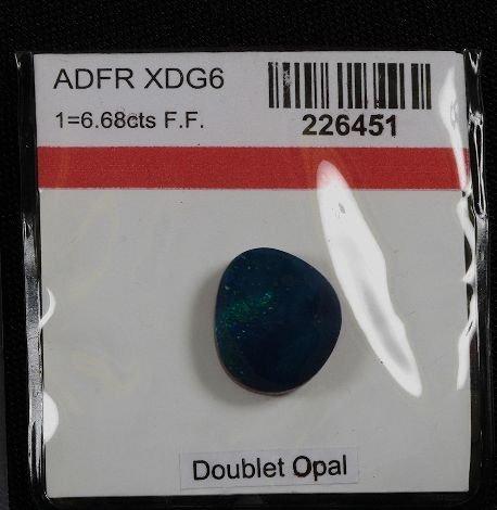19: Doublet Opal (1) 6.68cts OP24