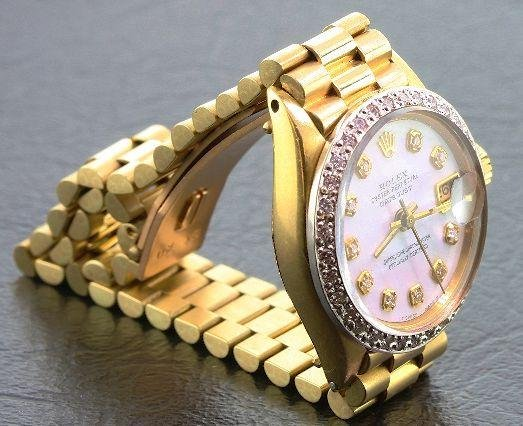 19: Ladies 18KTY Gold Rolex Diamond DateJust A376 Wrist