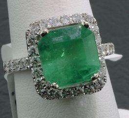 22: 14KT Emerald & Diamond Ring RV55 6.20 gm FULL APPRA