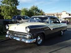 205: 1955 Ford Fairlane Victoria Vintage Car / Automobi