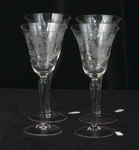 228: 4 Vintage Etched Wine Glasses ED230 - 2