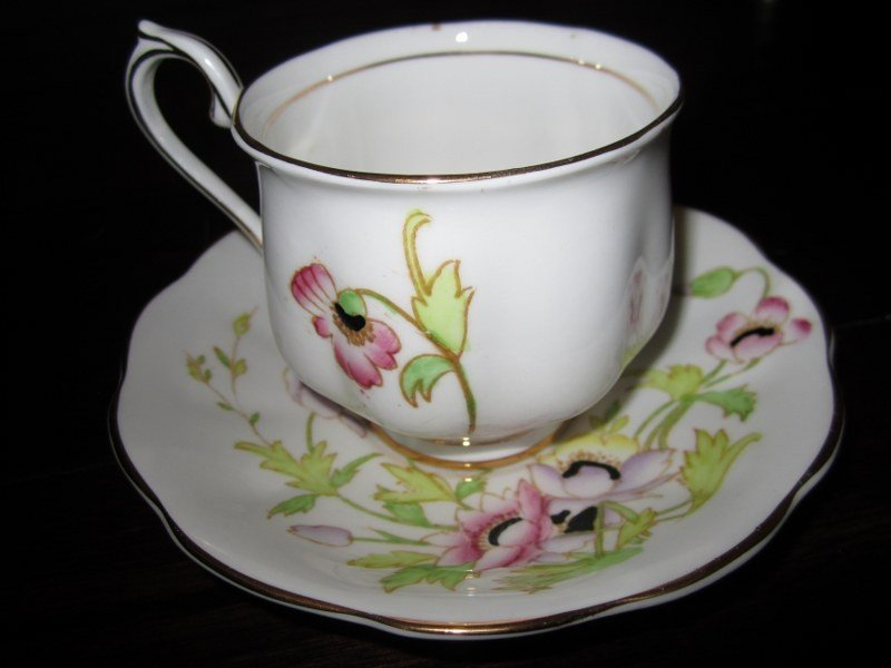 "Royal Albert ""Gloria"" Bone China- Cup & Saucer Set BD73"