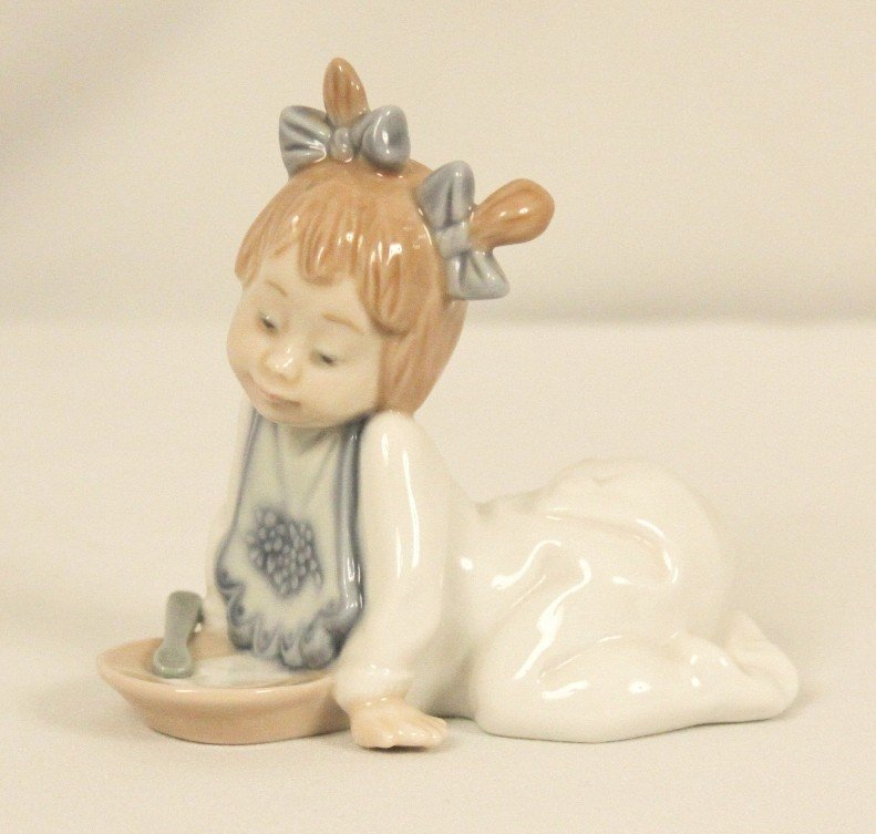 "Lladro NAO Porcelain Figurine ""Not Hungry"" WBL42"