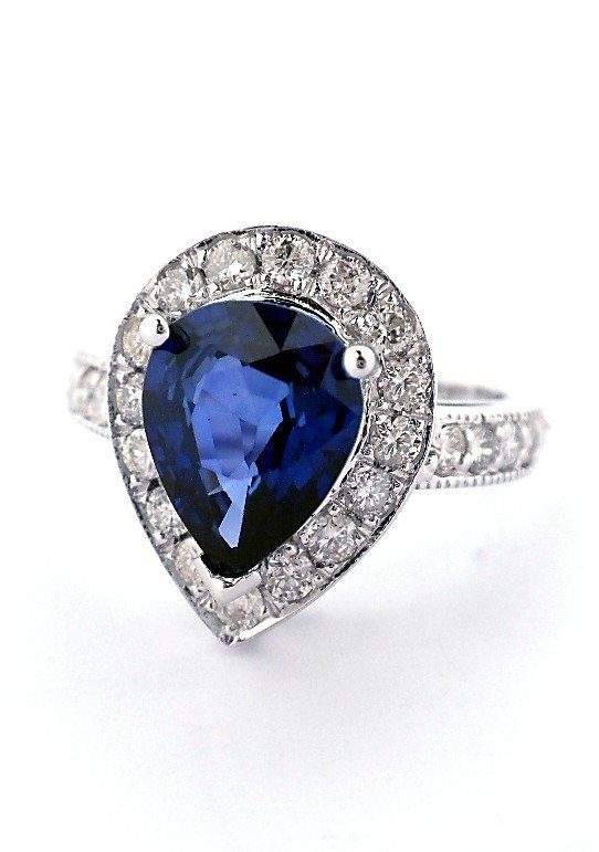 14KT White Gold 2.71ct Sapphire and Diamond Ring A3259
