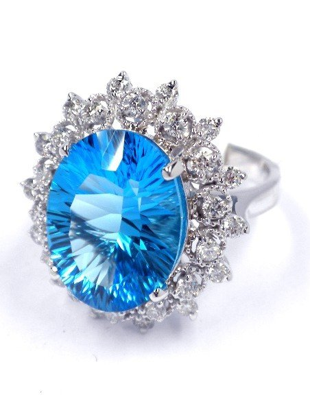 14KT White Gold 7.91ct Topaz and Diamond Ring A3437