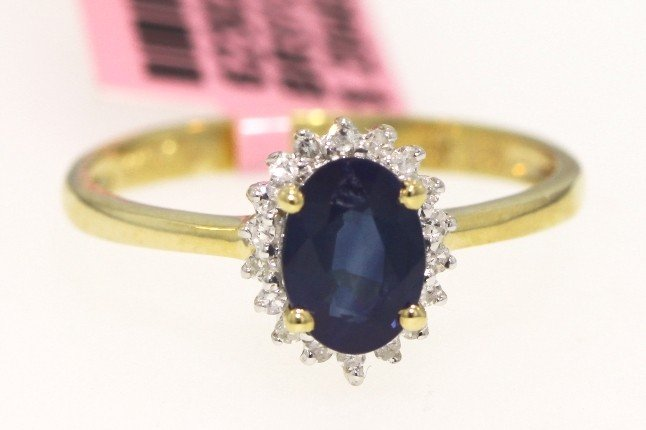 14KT Yellow Gold .99ct Sapphire and .11ct Diamond Ring