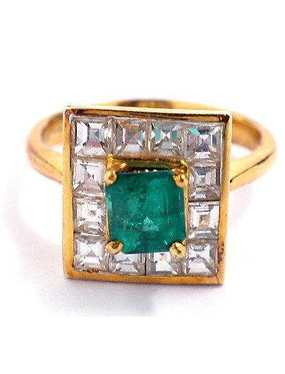 18KT Yellow Gold .71ct Emerald and Diamond Ring NS152