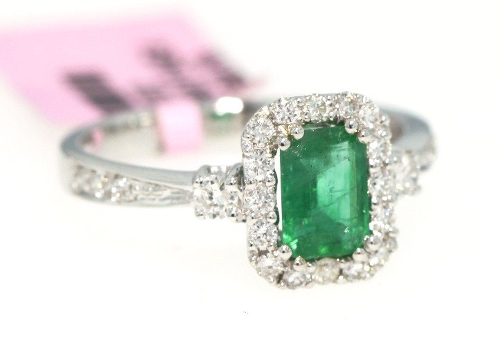 14KT White Gold .75ct Emerald and Diamond Ring FJM952