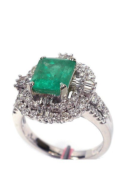 18KT White Gold 2.41ct Emerald and Diamond Ring FJM1071
