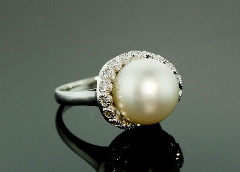 14KT White Gold South Sea Cultured Pearl & Diamond Ring