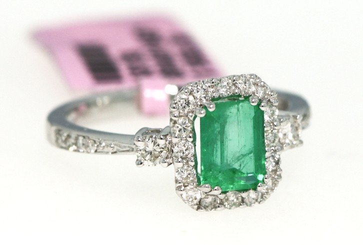 14KT White Gold 1ct Emerald and Diamond Ring FJM953