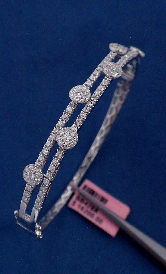 14KT White Gold 1.71ct Diamond Bangle Bracelet FJM1237