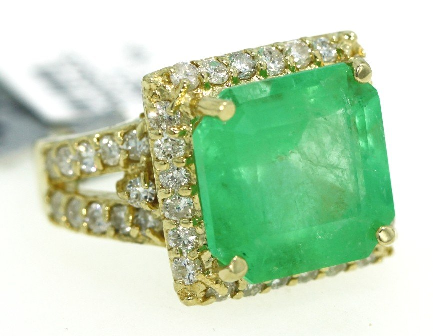 14KT Yellow Gold 11.32ct Emerald and Diamond Ring RM379