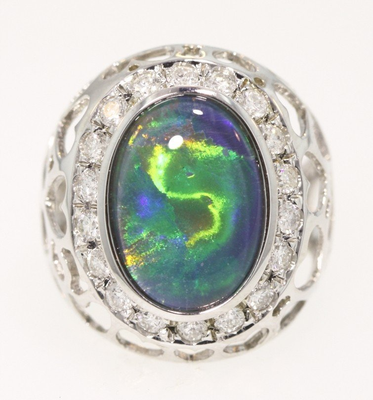 14KT White Gold 3.4ct Opal and Diamond Ring 5.7gms GD24