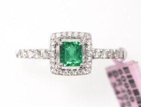 18KT White Gold 0.43ct Emerald And Diamond Ring FJM1403