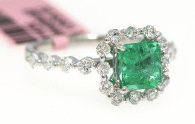 18KT White Gold 1ct Emerald And Diamond Ring FJM880