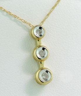 10KT Yellow Gold Diamond Pendant 1/15ct RTJ155