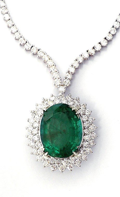 18KT White Gold 18.01ct Emerald and Diamond Necklace A3