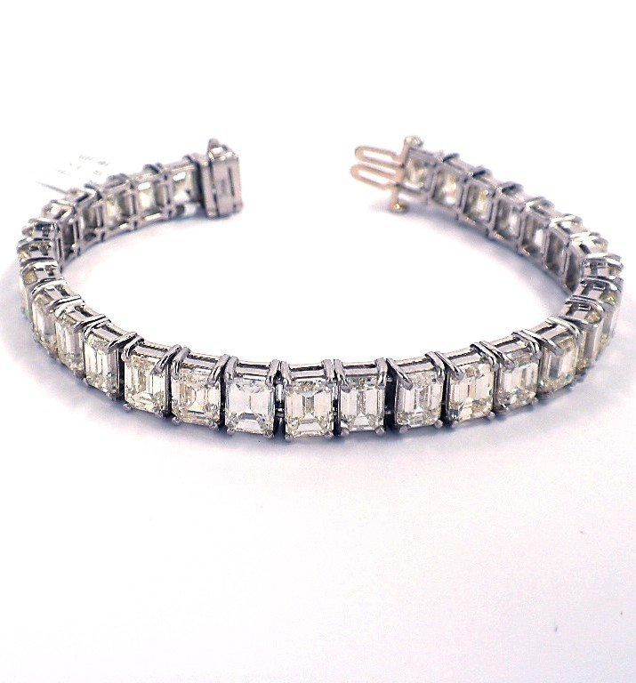 Platinum 34.16ct Diamond Bracelet A3823