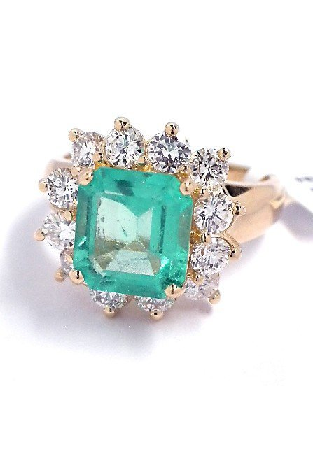 14KT Yellow Gold 2.31ct Emerald and Diamond Ring A3445