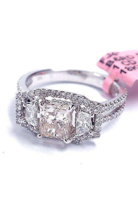18KT White Gold 1.89ct Diamond Ring FJM1315