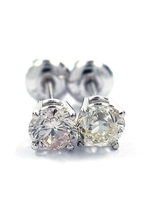 14KT White Gold .7ct Diamond Solitaire Stud Earrings A3