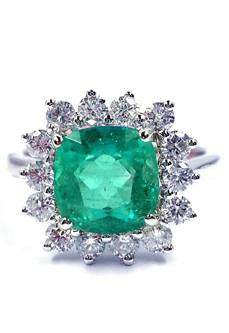 18KT White Gold 2.46ct Emerald and Diamond Ring FJM1247