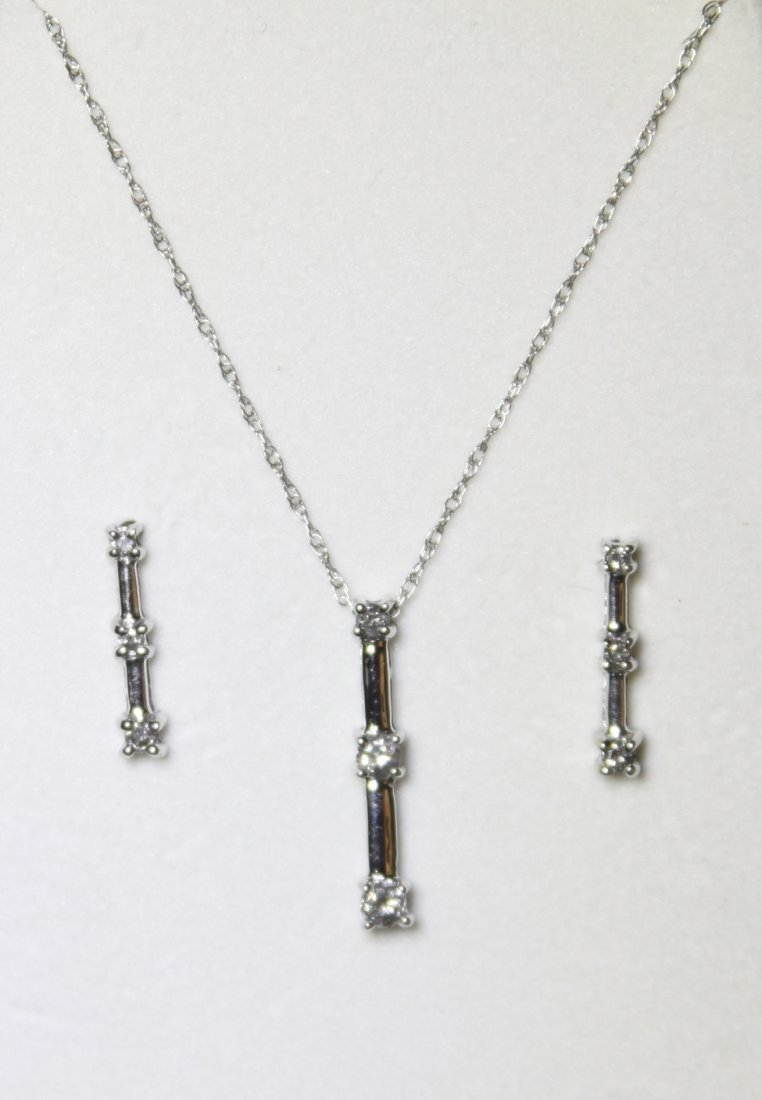 10KT White Gold Diamond Pendant & Earrings Set RTJ121