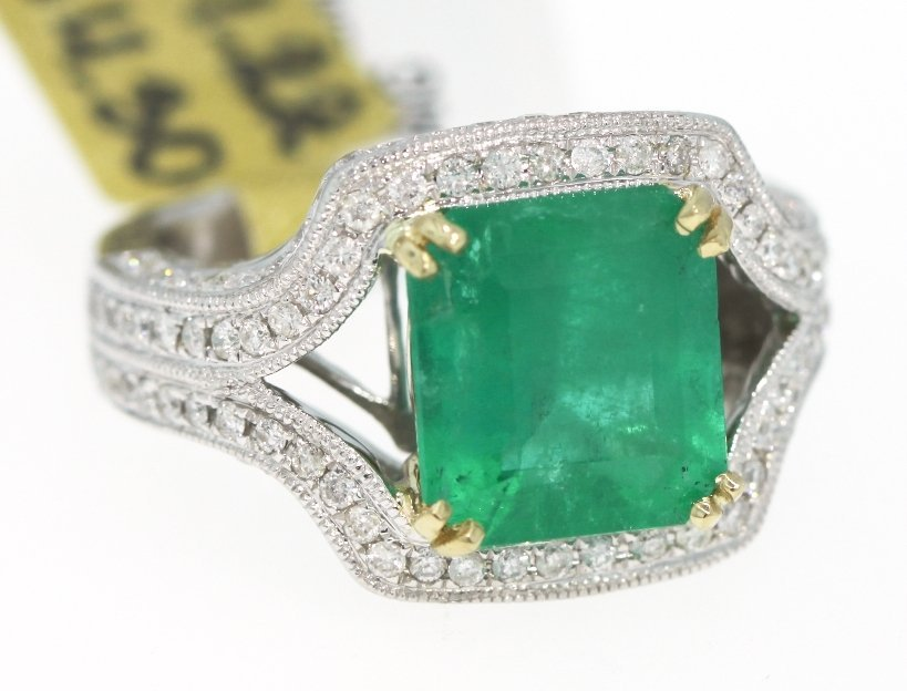 14KT White Gold 4.3ct Emerald and Diamond Ring RM255