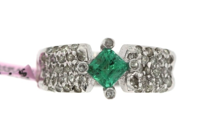 18KT White Gold Emerald and Diamond Ring FJM1484