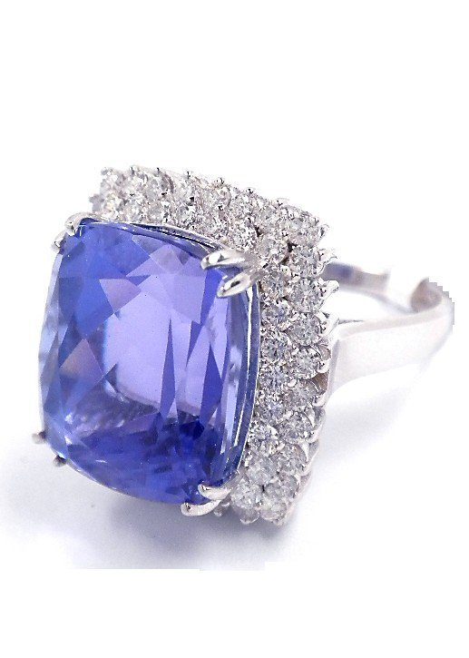 18KT White Gold 22.81ct Tanzanite and Diamond Ring A378