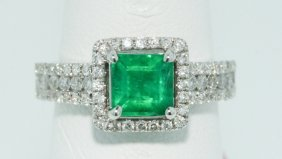 18KT White Gold 1.06ct Emerald Ring FJM1254
