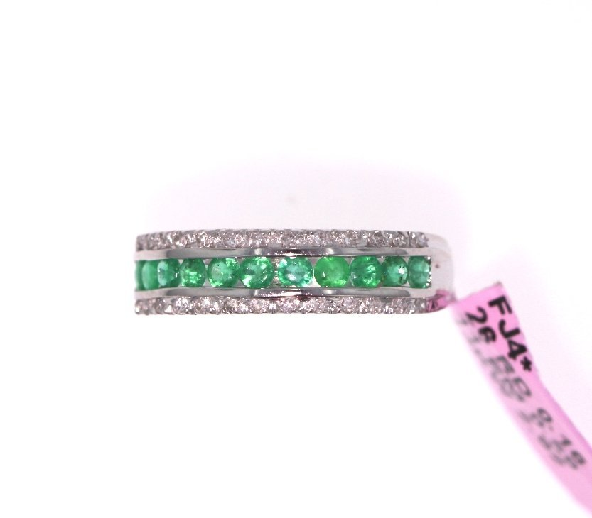 14KT White Gold 0.59ct Emerald & Diamond Ring FJM1743