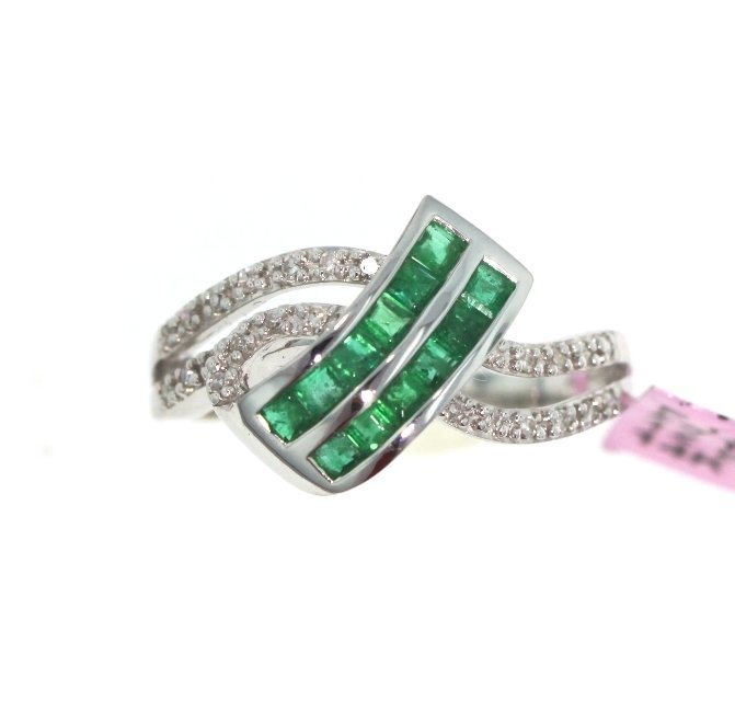14KT White Gold 0.52ct Emerald & Diamond Ring FJM1744