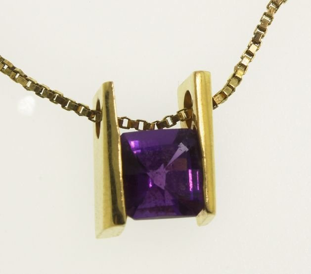 18KT Yellow Gold Amethyst Pendant w/14KT Chain GD162