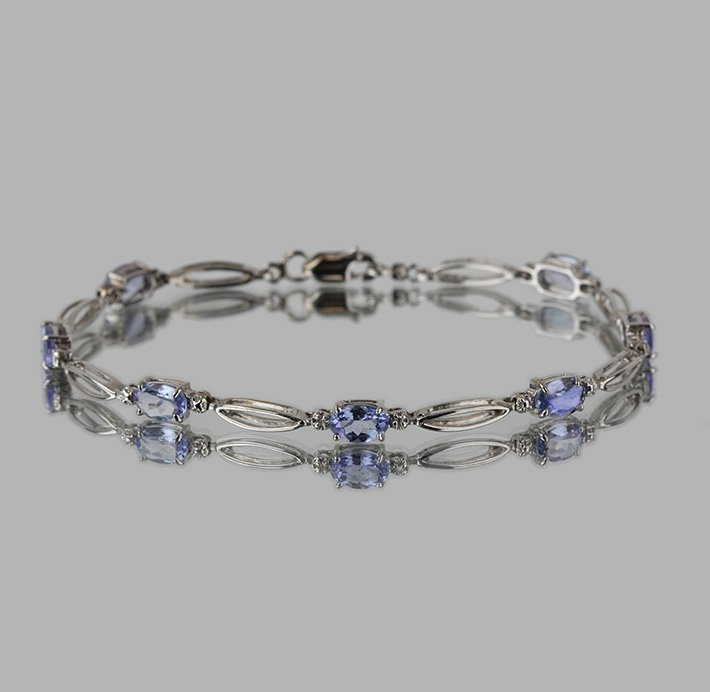 14KT White Gold 3.90ctw Tanzanite and Diamond Bracelet