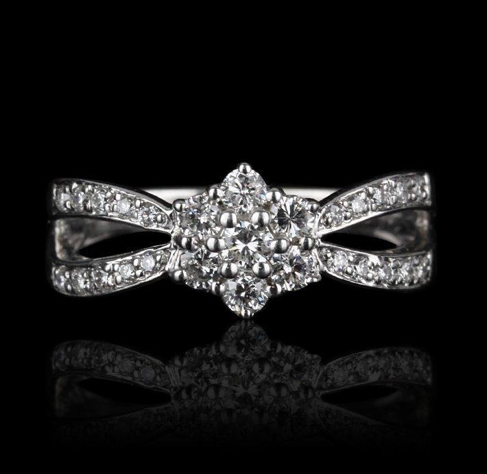18KT White Gold 0.8ctw Diamond Ring GB558